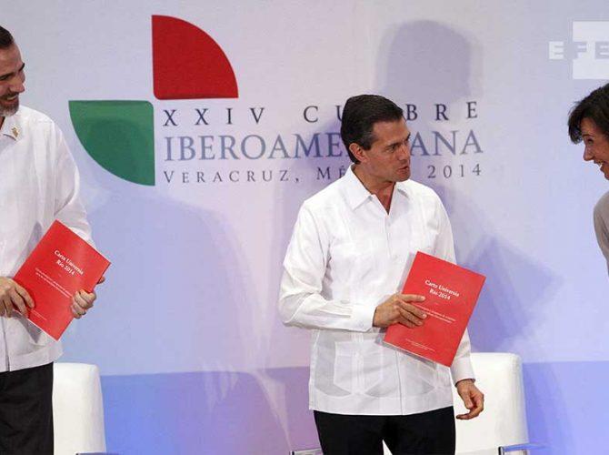 SM Felipe VI e o Presidente do México, Enrique Peña Nieto, na XXIV Cúpula Ibero-Americana