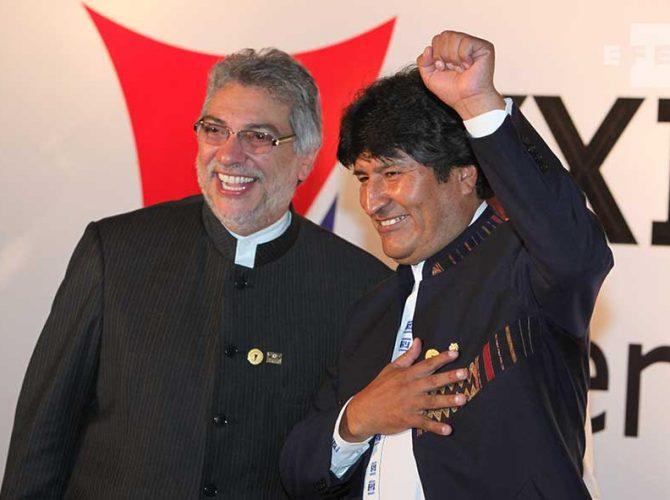 Fernando Lugo, ex presidente de Paraguay junto a Evo Morales, presidente de Bolivia